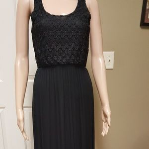 """""""Finn & Clover"""" long lace maxi dress."""